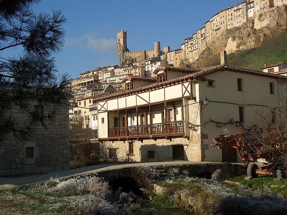 imagen_merindades_burgos_paraiso_ideas_norte_travel_visit_spain_pueblo_ciudad_frias_casas_castillo_colgadas