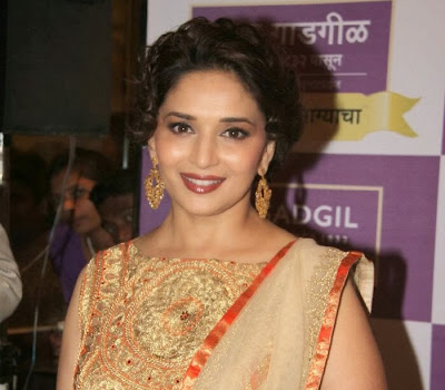Beautiful Madhuri dixit photo gallery in designer dress at kshan ala bhagyachya prize event