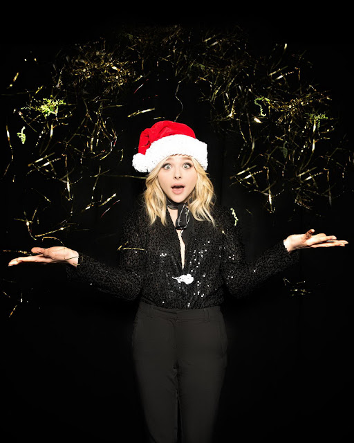 Actress, Model, @ Chloë Grace Moretz - Jingle Ball Portraits