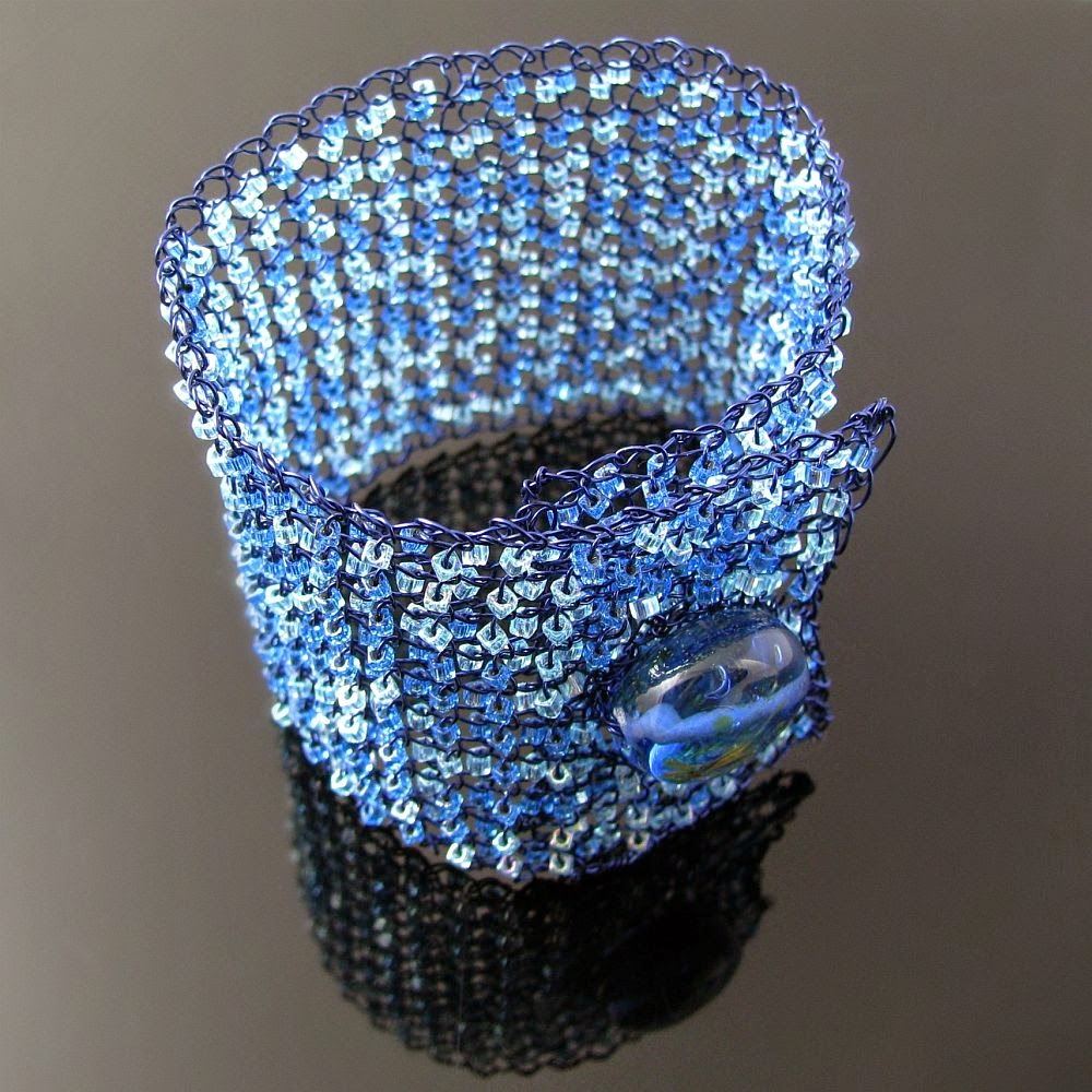 Cat\'s Wire: Tackle that stash - Wire knit bracelet with glass cubes ...