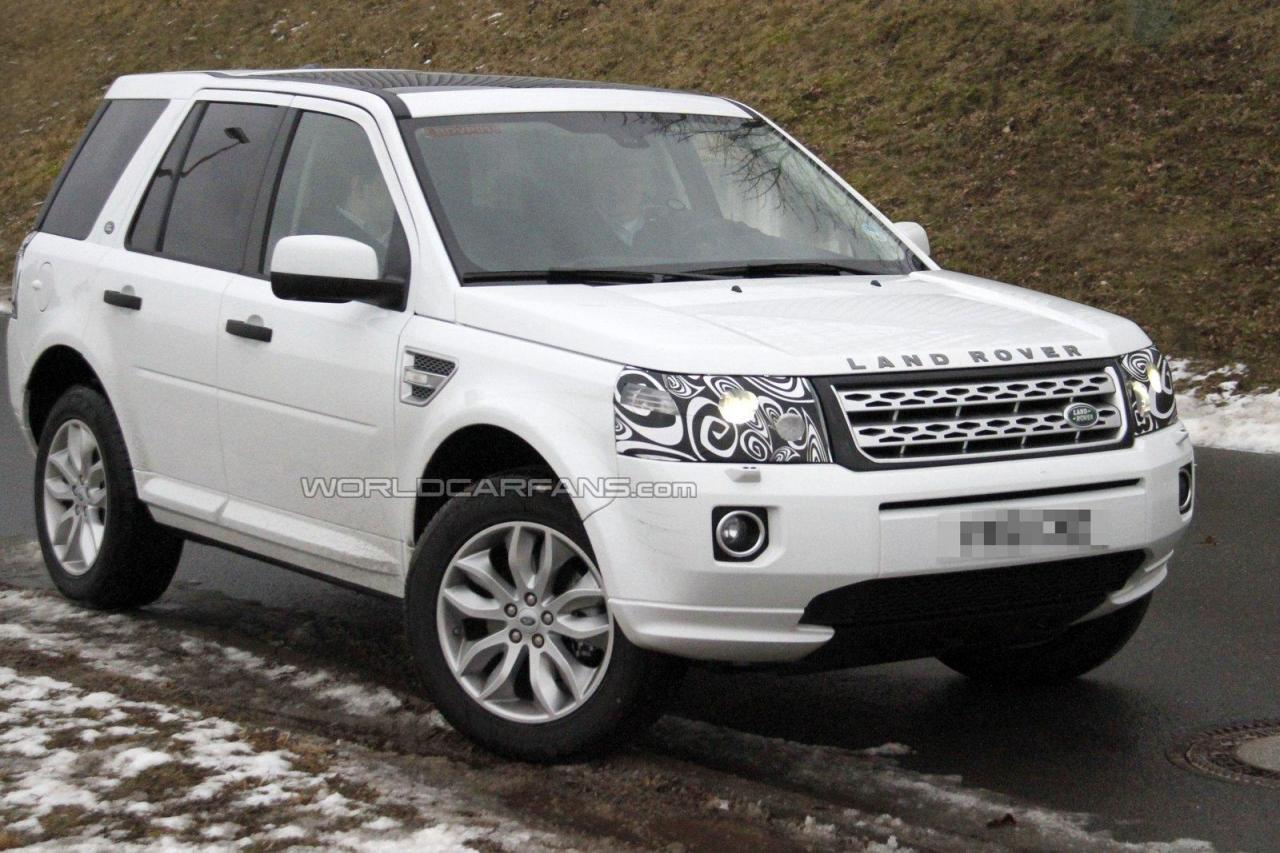 motor mania buzz spied 2013 land rover freelander lr2 facelift. Black Bedroom Furniture Sets. Home Design Ideas