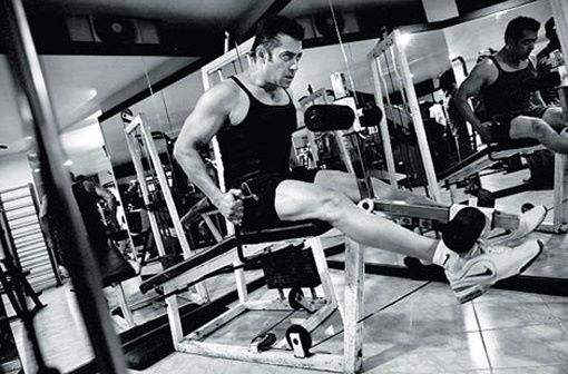 Photos: Salman Khan In Gym