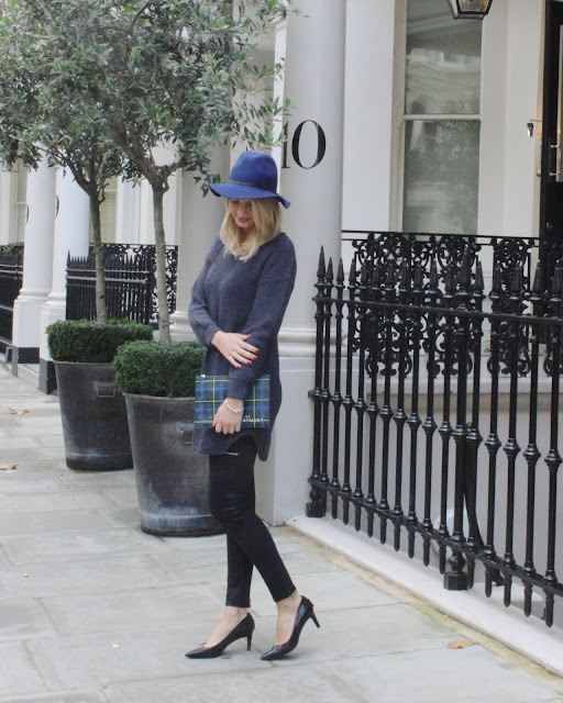 wrap london, knitted dress, dress and leather pants, ash footwear, ash donna heels, mid heeld heels, aspinal of london, topshop fedora hat, daisy london bracelt