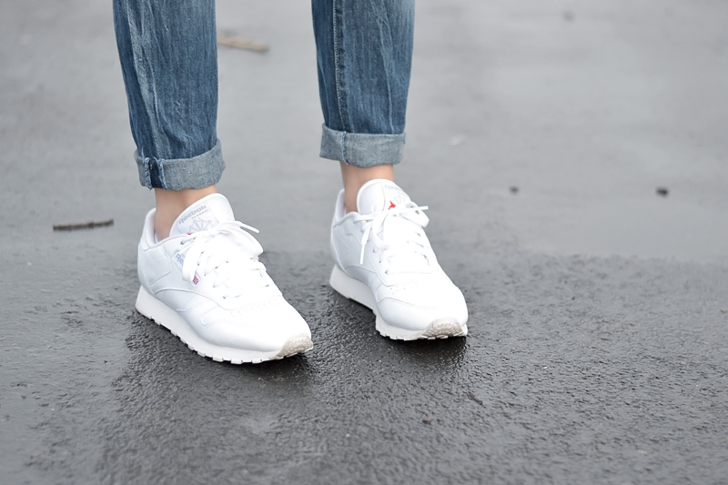 Mango, white coat, wool, big knit, beige, jbc, primark, boyfriend jeans, ripped jeans, reebok classic sneakers white, ootd, belgian fashion blogger, mode blogger belgie