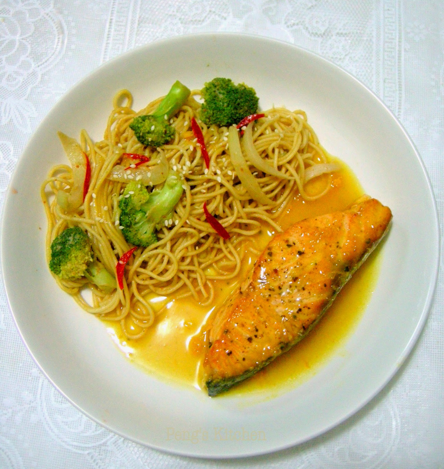 Peng's Kitchen: Orange & Soy Glazed Salmon with Light Sesame Noodles