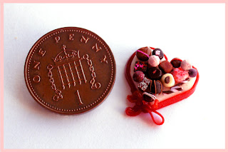 CDHM Artisan Sadie Brown of Homeward Flight Miniatures creates 1:12 scale dollhouse miniature foods including holiday minis for Valentine's Day