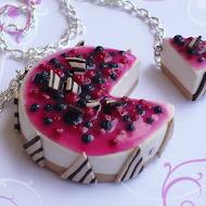 Le fruits rouges necklace