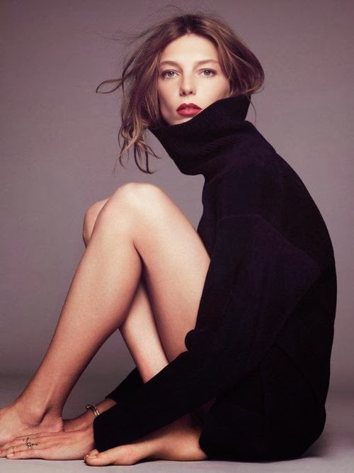 Daria Webowy Model Fashion Turtleneck