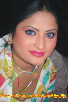Salma Shah Six Video http://pashto-photos-vidoes.blogspot.com/2011/09/salma-shah-pashto-top-dancer-cd-actress.html