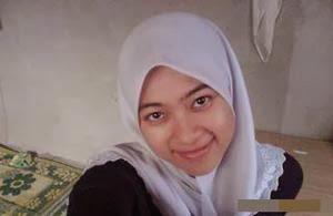 Gambar Bogel Senyum Menggoda Terlentang Pasrah   Melayu Boleh.Com