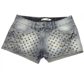 shorts com spikes