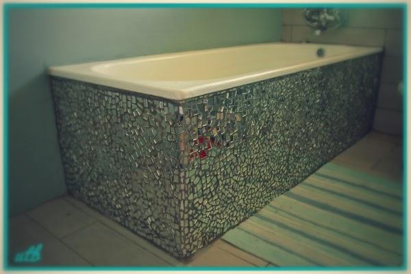 mirror-mosaic-bath