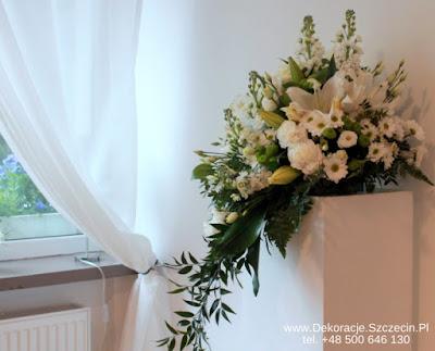 kwiaty - dekoracja na Komunię
