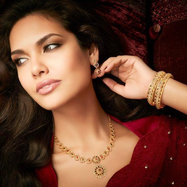 Esha Gupta Free HD Wallpapers Best Photos And Pics Download