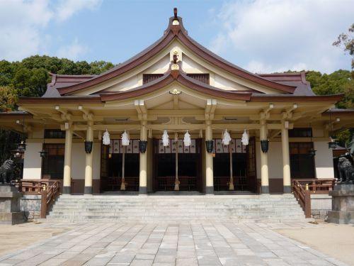 湊川神社拝殿