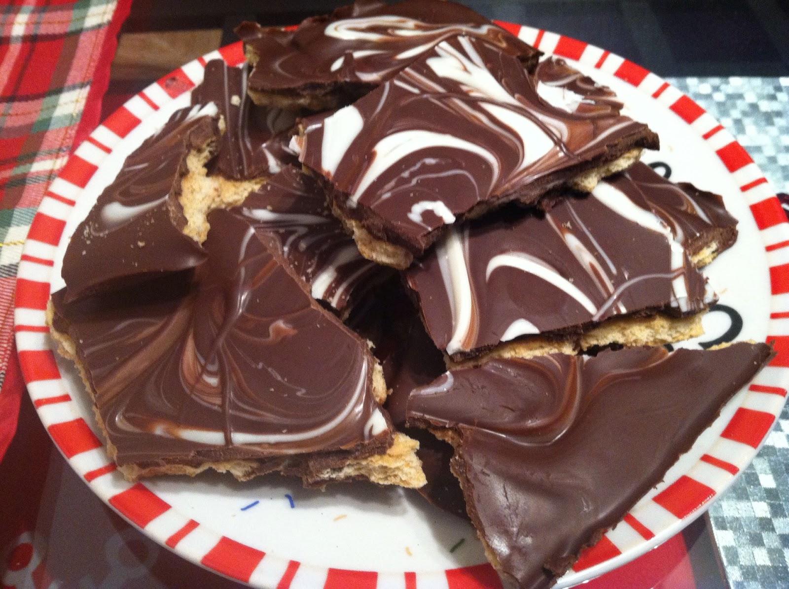 Graham Cracker Toffee Bark - Crunchy Creamy Sweet