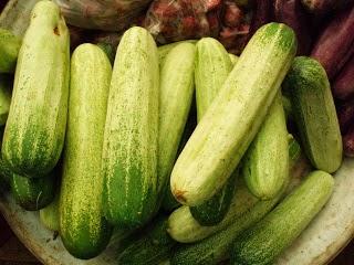 Mentimun atau ada juga yang menyebutnya ketimun merupakan buah yang biasa dijadikan sayur Manfaat Mentimun untuk Kesehatan Wajah dan Jerawat
