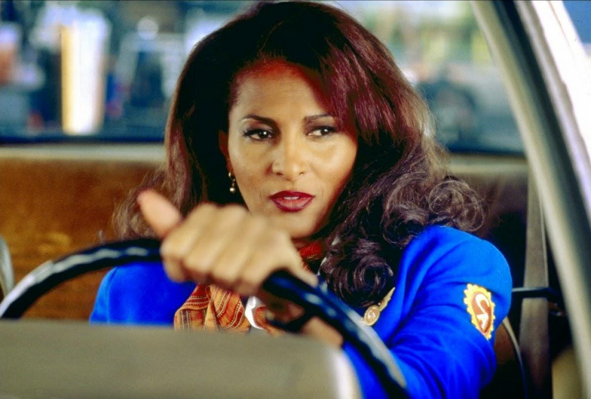Pam Grier en hôtesse de l'air pas comme les autres dans Jackie Brown, de Quentin Tarantino (1997)