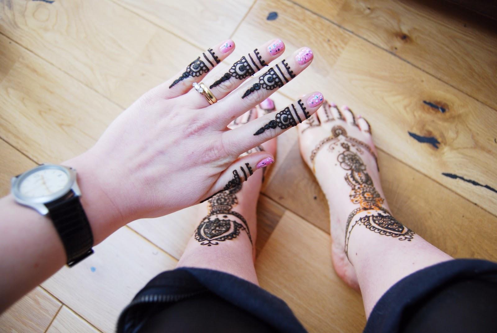 Mehndi Ankle Instagram : New mehndi designs fashi