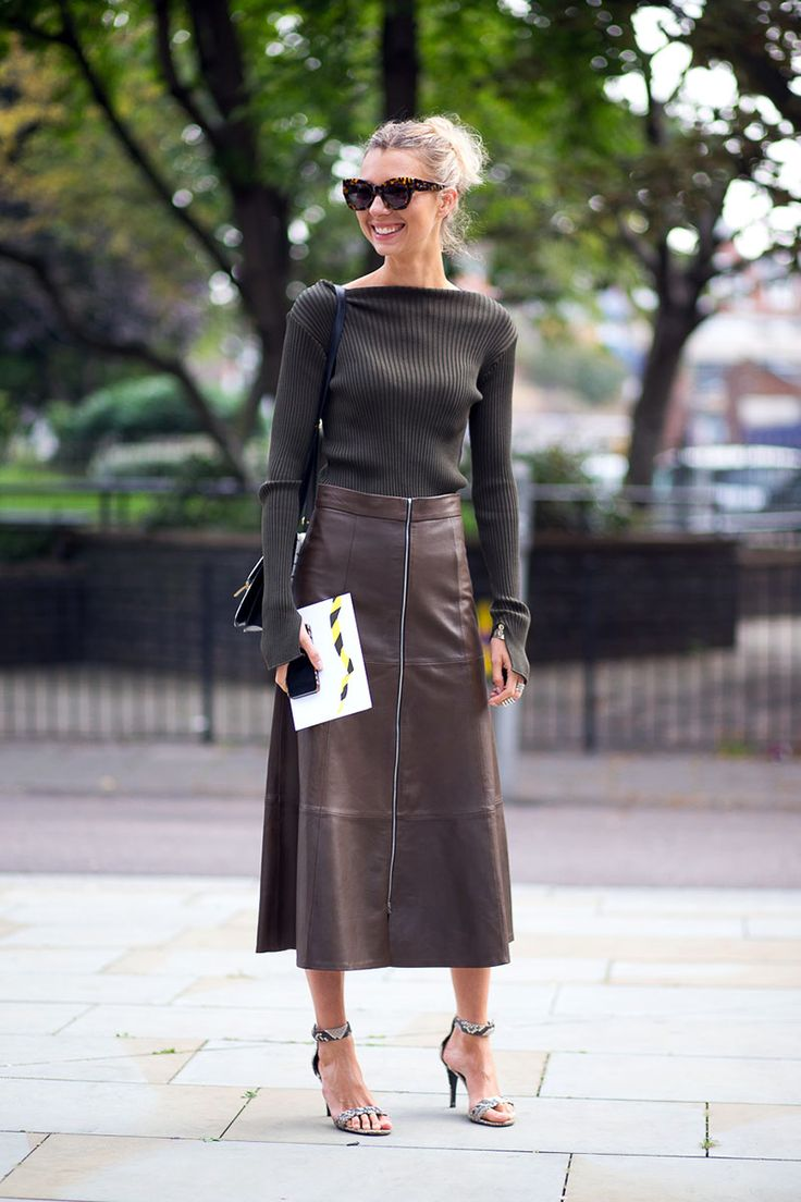 http://www.harpersbazaar.com/fashion/street-style/london-street-style-spring-2015-41