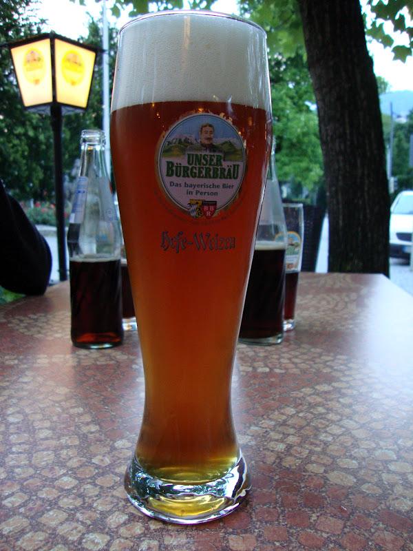 tid for tee drukket tysk jente