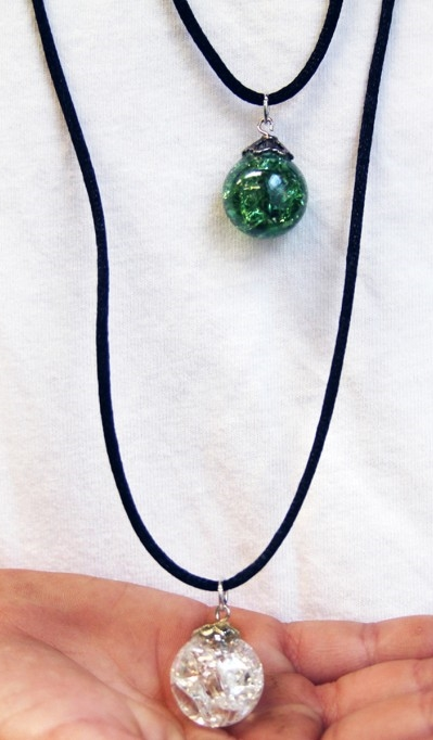 DIY Cracked Marble Necklace