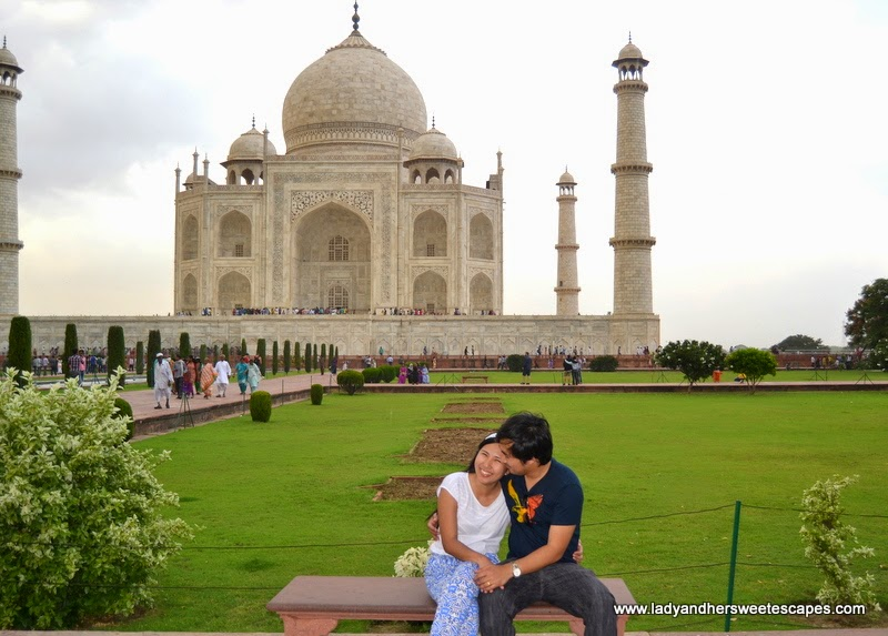 Ed and Lady at The Taj Mahal