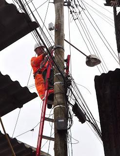 Em Paineiras, a Servidão 45 também recebe serviços de iluminação pública, com utilização das escadas para postes