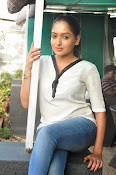 Anajana Deshpande glamorous photos-thumbnail-2