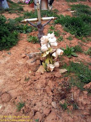 val-sabina-ademuz-cementerio-crucifijo