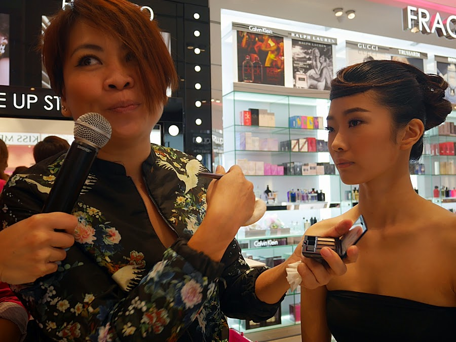 Makeup demo by ArtDeco