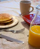 Noworoczne śniadanko! Naleśniki z musem truskawkowym!