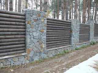 Каменный забор с деревом. Фото 30
