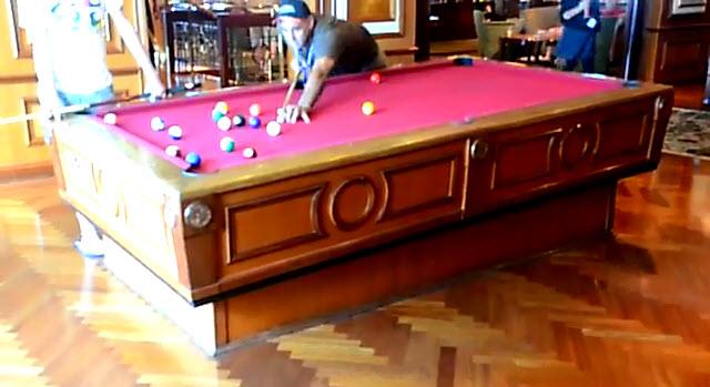 C mo funciona una mesa de billar en un barco rinc n abstracto - Mesa billar 8 pies ...