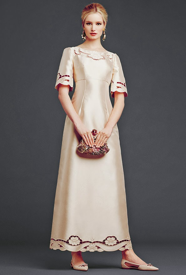 dolce and gabbana ivory cream modest maxi dress with sleeves stylish beautiful fashion Mode-sty tznius hijab jewish mormon islamic muslim pentecostal