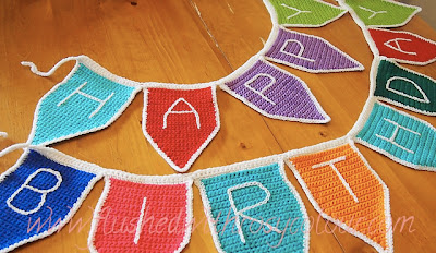 free crochet birthday bunting pattern