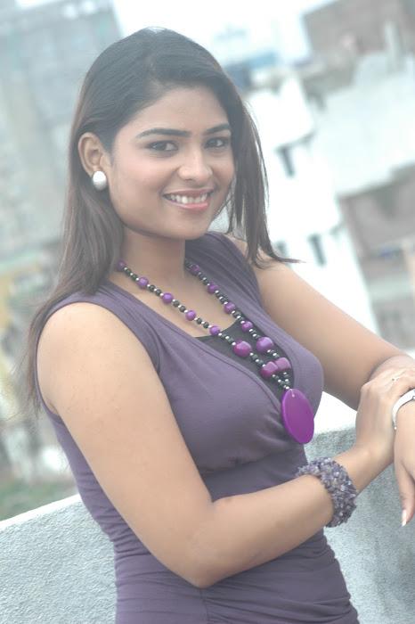 maheshwari the sunkalainger tv anchor real unseen hot images
