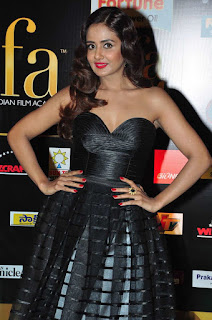 Parul Yadav in lovely Black Shoulder Less Dress with a Plunging Neckline at IIFA Awards