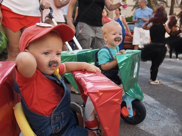 Madre de gemelos un disfraz genial para gemelos mario y - Disfraces para gemelos ...