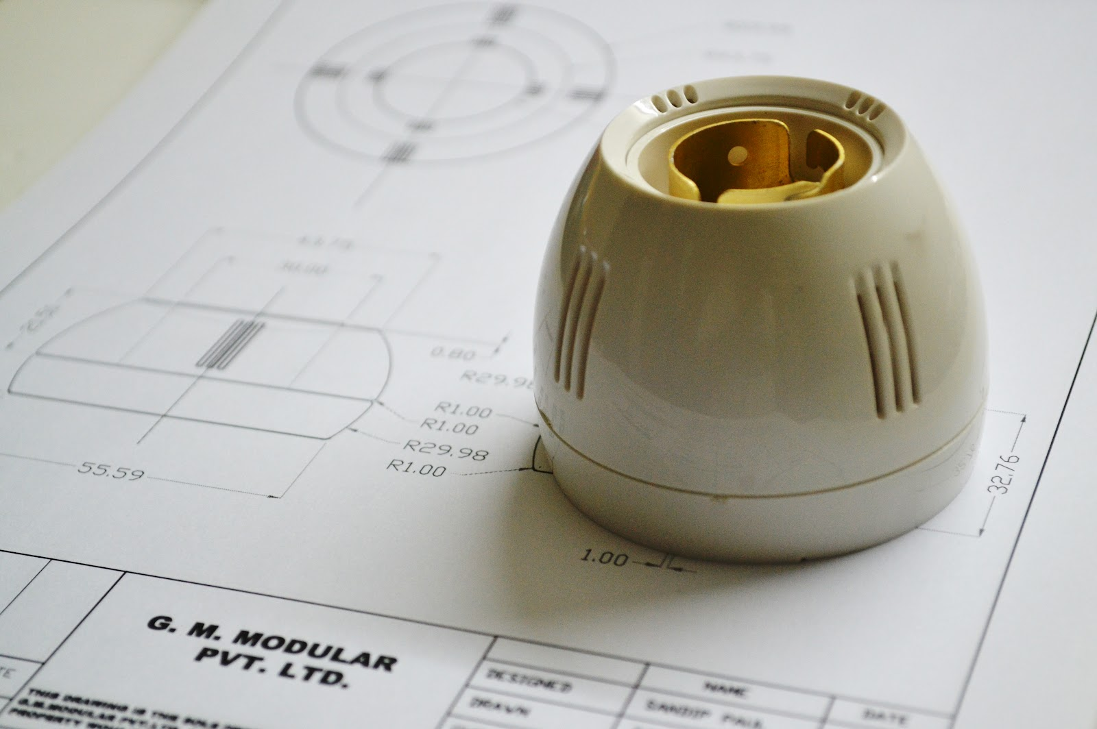 differential design: | Success Story for Bulb Holder Design  45hul