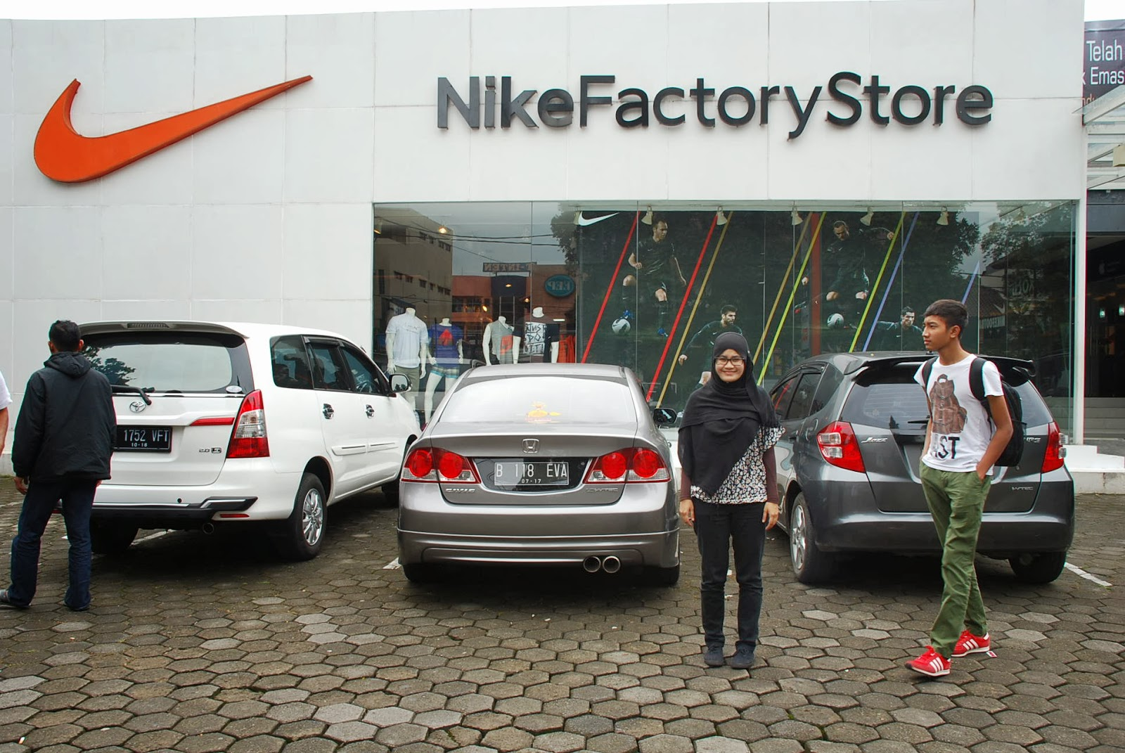 nike outlet in lahore