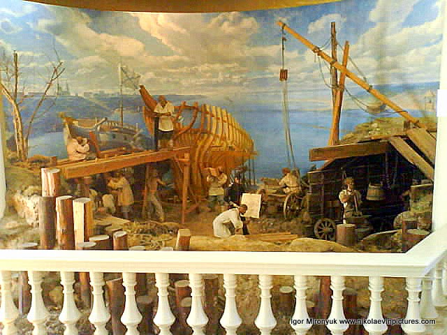 Диорама, на которой показано каким образом строились корабли в начале XIX века в Николаеве.