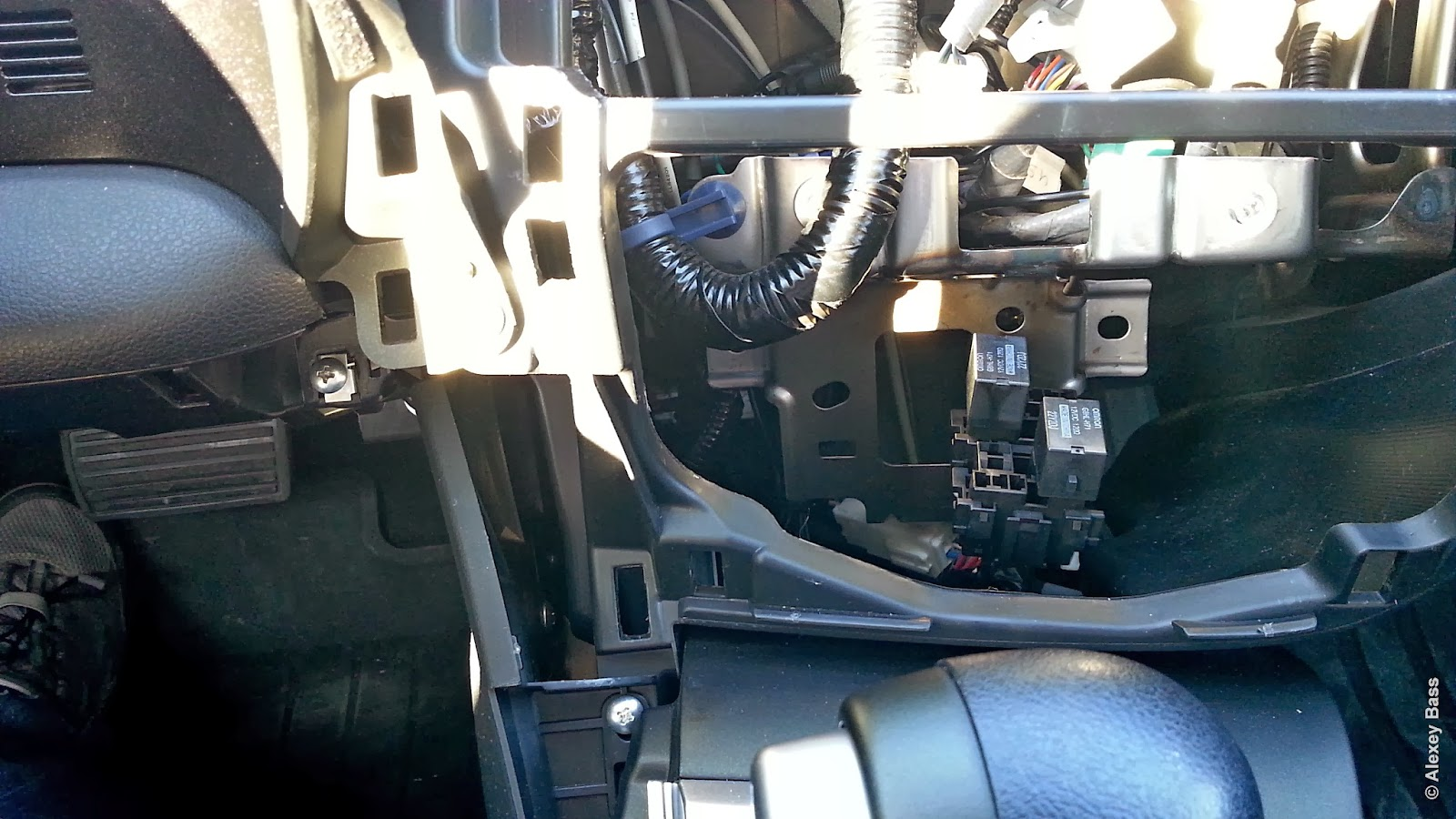 New Honda Civic Hatchback Mk9 2013 Relay Locations Power Position B 7 2 Behind Radio And Air Controls