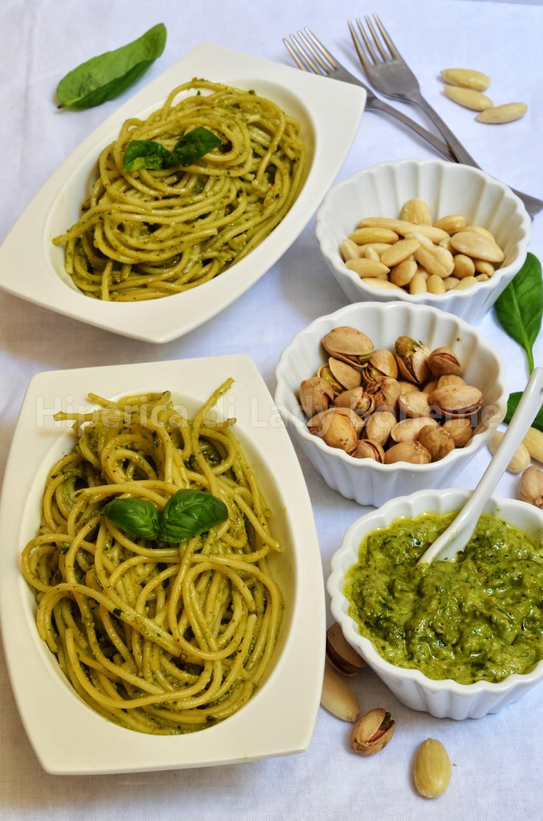 hiperica_lady_boheme_blog_cucina_ricette_gustose_facili_veloci_pasta_al_pesto_di_pistacchi_e_mandorle_1