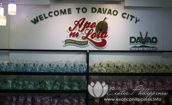 apo ni lola a durian Apo ni lola sells a variety of durian candies ranging from yema to mallows to  tarts, and some even have a certain twist to it, for example there is a durian  mocha.