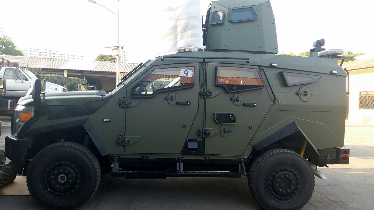 Uno de los 13 blindados Sandcat adquiridos para las Fuerzas Armadas de Colombia.