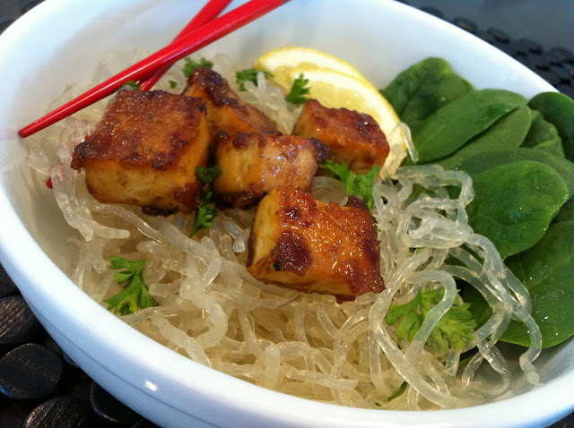 Kale With Love: Kelp Noodles w/ Baked Tofu