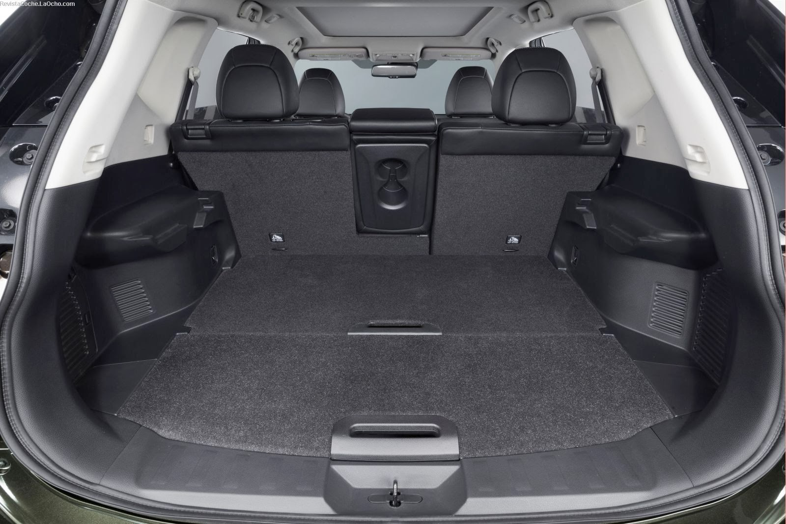 revista coche nuevo nissan x trail 2015. Black Bedroom Furniture Sets. Home Design Ideas