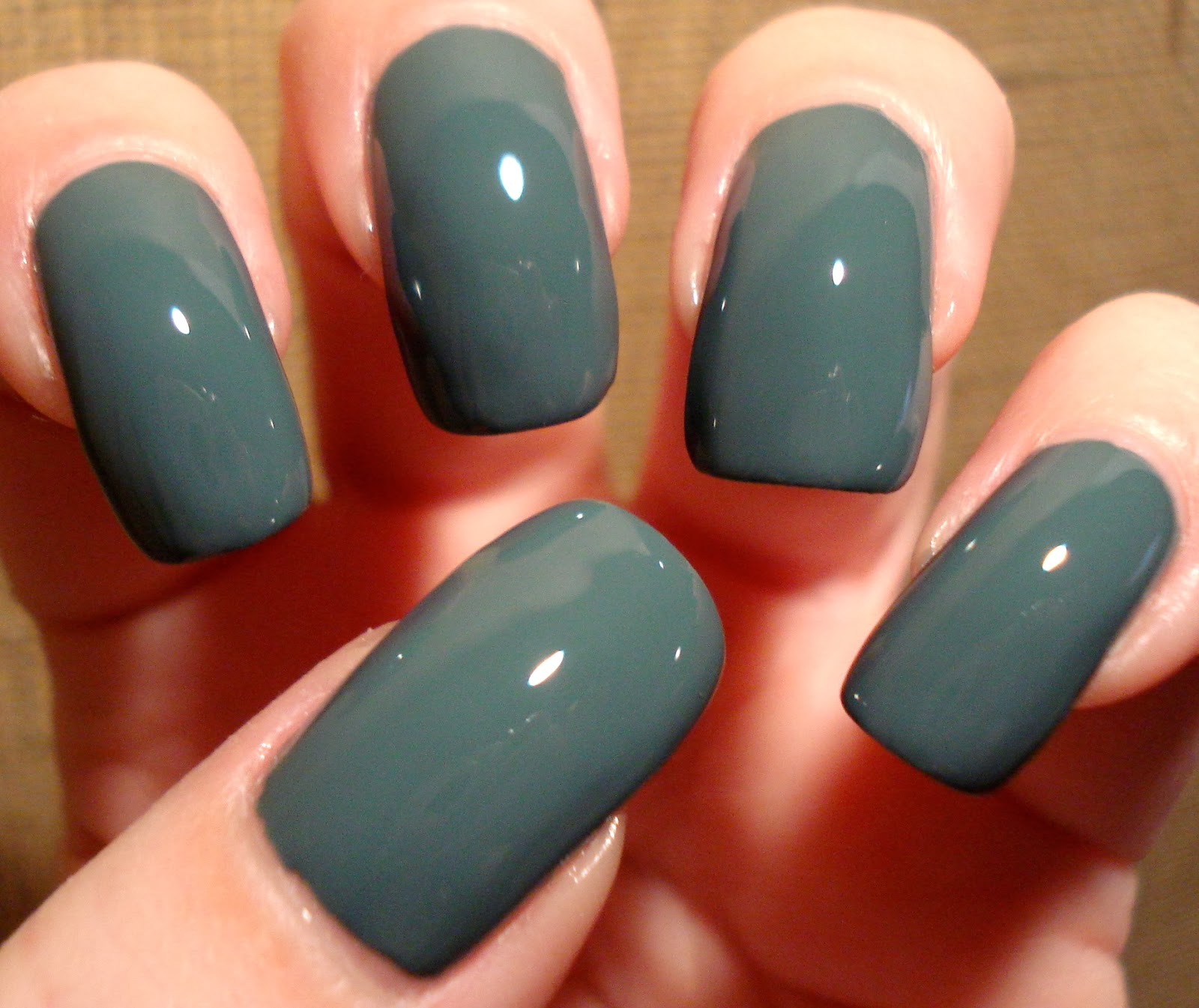 Little Miss Nailpolish: Essie Vested Interest - swatches and review