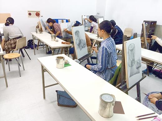 横浜美術学院の中学生教室 美術クラブ どこまで描けるか!「細密デッサン」制作風景1